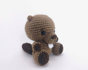 PATTERN: Boone the Beaver - Crochet beaver pattern - amigurumi beaver - woodland animal - crocheted beaver - PDF crochet pattern