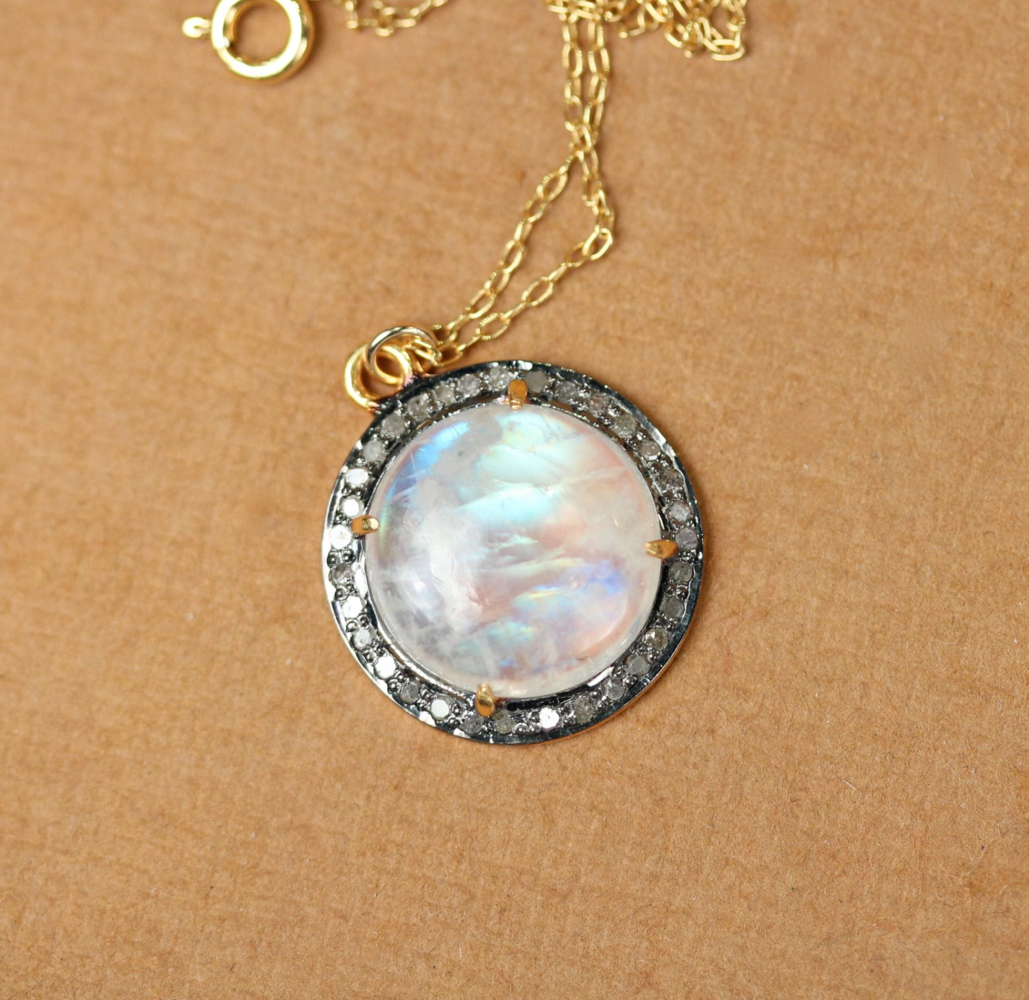 filgiri moonstone moon lumina jewellery shop pendant stone
