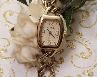 FOSSIL Chain Wristwatch, Ladies Designer Watch, Heavy Gold Link Bracelet Style, NEW BATTERY, Adjustable, Analog. Ladies Fossil Watch