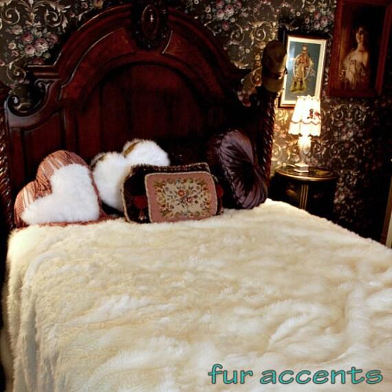 Dessus de lit fourrure couvrelit fourrure haut de gamme lopard x cm plaid jetee de lit with - Couvre lit conforama ...