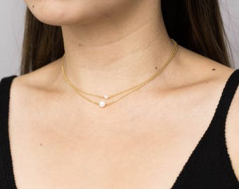 Dainty Pearl Choker Necklace / Delicate Freshwater Pearl Necklace / Bridesmaid Necklace / Necklace for Girlfriend / Pearl Layering Necklace