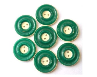 6 Vintage buttons, plastic ,green with cream circle design 18mm