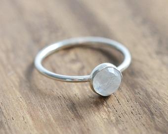 Rose Cut Moonstone Ring // Sterling Silver Rainbow Moonstone Ring  // Rose Cut Moonstone Engagement Ring // June Birthstone Ring