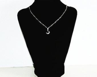 Rough Sapphire Pendant Gemstone Silver Necklace,Sapphire Necklace,Sapphire Pendant,Sapphire,Raw Sapphire