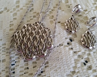 Vintage Signed Crown Trifari Silver Necklace Earring Set
