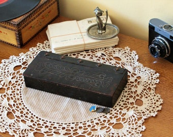 Embossed Leather Box - Vintage Leather Box - Distressed Leather Box - Leather Ring Box - Leather Trinket Box - Jewelry Box - Christmas Gift