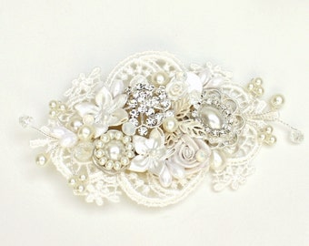 Bridal Hairpiece- Bridal Hair Accessory- Rhinestone & Pearl Bridal Comb- Wedding Comb-Floral Hairpiece- Lace Hair Accessory-Bridal Hair Comb