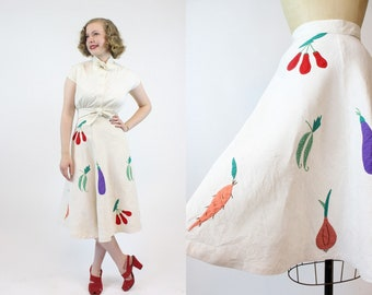 40s Skirt Linen Embroidered XS  / 1940s Vintage Skirt Novelty / Like Peas and Carrots Skirt
