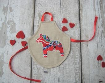 Dala Horse Bottle Apron - Scandinavian Wine Spirit - Party Celebration - Gift Present - Christmas - New Home Favour - Hostess - Swedish