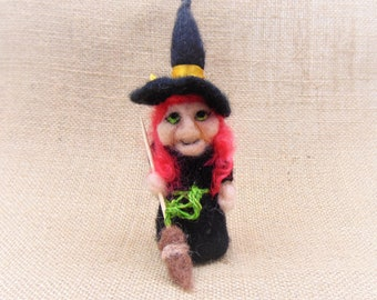 Cute Little Witch, Needle Felted Witch, Witch With Broom, Halloween Ornament, Halloween Table Decor, Kitchen Witch, Story Telling Prop