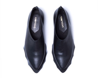 Women Black Leather Shoes, Pointy Shoes, Black Leather Flats, Designer Shoes, Everyday Leather Shoes, Women Flat Shoes, Shiny Black Shoes