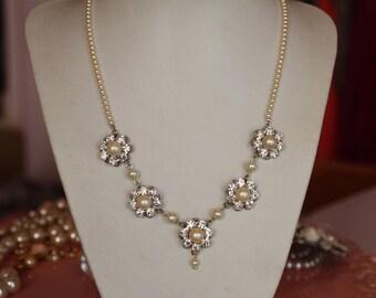 Wedding pearl Silver Necklace Flower ivory pearl Necklace Victorian Bridal Necklace Swarovski Rhinestone Pearls Bridal Vintage Bridal