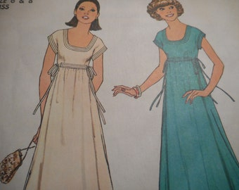 Vintage 1970's Simplicity 7882 Dress Sewing Pattern Size 6 & 8 Bust 30.5 - 31.5