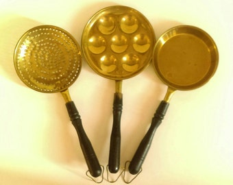 Vintage Brass Poached Egg Pan Set with Black Wooden Handles-Poached Egg/Escargot Pan,Strainer,Flat Egg Pan, Trio Pan Set,Decorative Prop Set