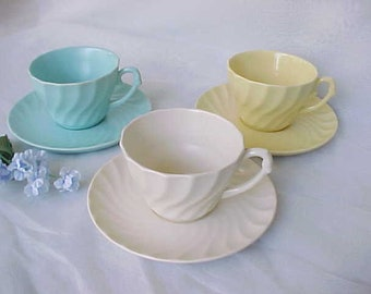 6 Piece Set of 1930s Metlox Pottery Cups & Saucers in Yorkshire Pattern, Early Prouty Swirl Dinnerware, Collectible California Pottery
