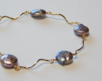 Coin Pearl, 14kt Gold Filled, Silvery, Gray, Lilac, Made in Hawaii, Travel, Tropical, Vacation, Resort, Ocean, Water, Keepsake, Bracelet