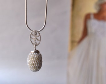 wedding necklace  pearly white bridal accessory