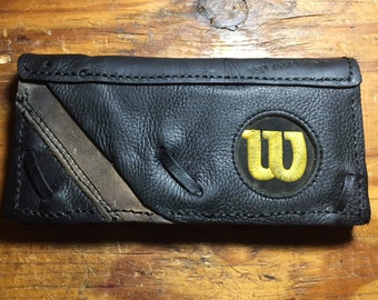 Wilson Women's Baseball Glove Leather Wallet