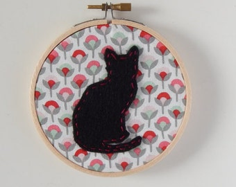 """4"""" Sitting Cat Embroidery Hoop Ornament"""