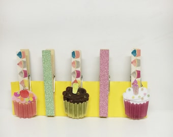 Cupcake fridge magnets, cupcake clips, decorated Clothespins, washi tape clothespins, clothespins with magnets, cupcake display clips