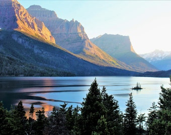 Mountain Lake Island