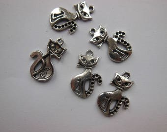 set of 5 cat pendant