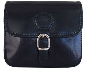 Woman black leather shoulder bag