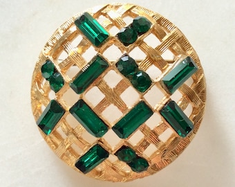 Vintage Emerald Green Rhinestone Brooch . Gold Tone . Round Circle . Era 1960's . Christmas Brooch .  Retro Boho Brooch . Costume Brooch