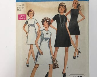 Vintage 1970 Pattern. Simplicity 8682, Misses Jiffy Basic Dress. Simple to sew.