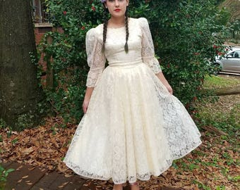 1970s Vintage Gunne Sax Cream Lace Dress Puff Sleeve Full Skirt Princess Dress Cream Lace Tea Length Wedding Dress Size Small