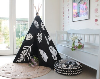 Teepee Tent | MIDI size | Black with Applique Leaves