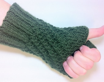 Pattern - Knitted Spiral Fingerless Gloves