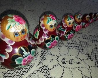 Vintage Babushka Matryoshka Russian Nesting Dolls