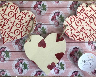 Emma Bridgewater Dark Pink Hearts & Lots Of Love Wooden Heart Garland/Bunting