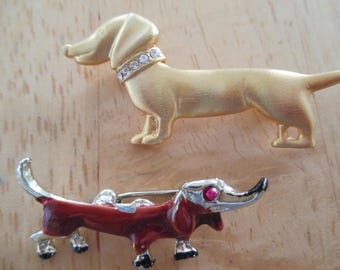 Vintage costume jewelry  / 2 dash hound dog brooches
