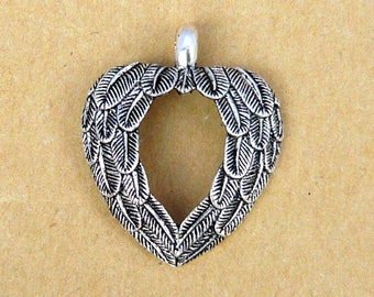 large 25mm silver wing heart pendant