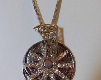 Spur Necklace