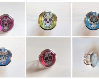 """""""Mexican skull"""" glass cabochon ring"""