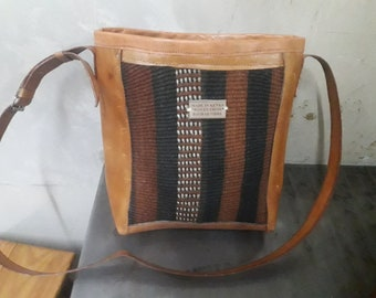 Sisal sling bag