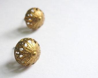 Mid century earrings Filigree posts Gold post earrings Small posts Mad Men earrings 1950s posts 1950s earrings Round posts Filigree earrings