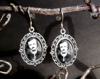 Medaillion earrings - Edgar Allan Poe