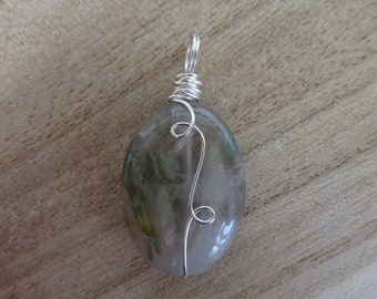 Rutilated Quartz Pendant-Wire-Wrapped Pendant- Wire-wrap-Pendant-Necklace- Gemstone Jewelry- Healing Crystal- Quartz-Jewelry-Rutilated