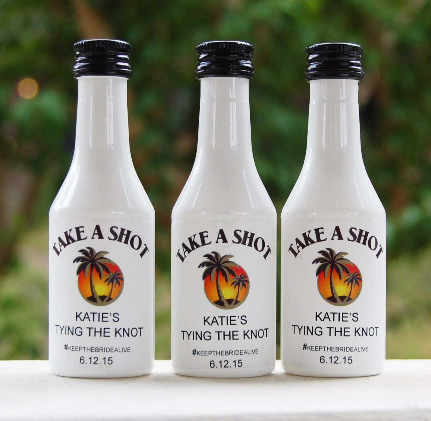 Mini Bottles for Wedding Favors | Giftwedding.co