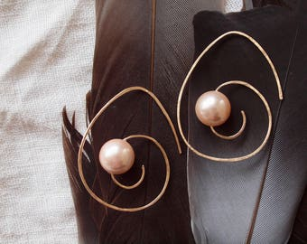 14K yellow gold filled spiral hoop large peach pearl earrings,
