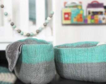 Blue & Grey Pompom garland, Baby Boys room decor, Blue-grey-white felt ball garland, baby bunting, wall accent, wall hanging, boys decor