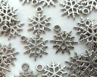 20x 15mm Silver Acrylic Snowflake Charms