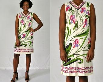 Vintage Floral Shift Dress / Sleeveless Dress / Printed Shift Dress / Floral Dress / Beige Pink Floral Print / V-Neck Dress / 1970s / Medium