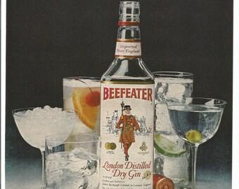 1981 Advertisement Beefeater Gin Crown Jewel of England Sentry British Tower of London Guard Martini Bar Pub Restaurant Club Wall Art Decor