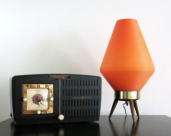 Orange Beehive Table Lamp - Vintage Plastic and Wood Tripod Atomic Beehive  Lamp - Mid Century