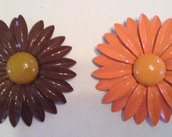 SALE! Set of 2 Vintage Enamel Daisy Pins/Brooches - Orange & Brown